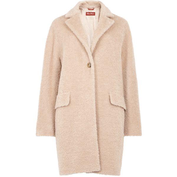 Max Mara Studio Orlo blush alpaca and wool blend coat (€885) ❤ liked on Polyvore featuring outerwear, coats, manteau, maxmara, alpaca coats, wool blend coat, pink coat and maxmara coat