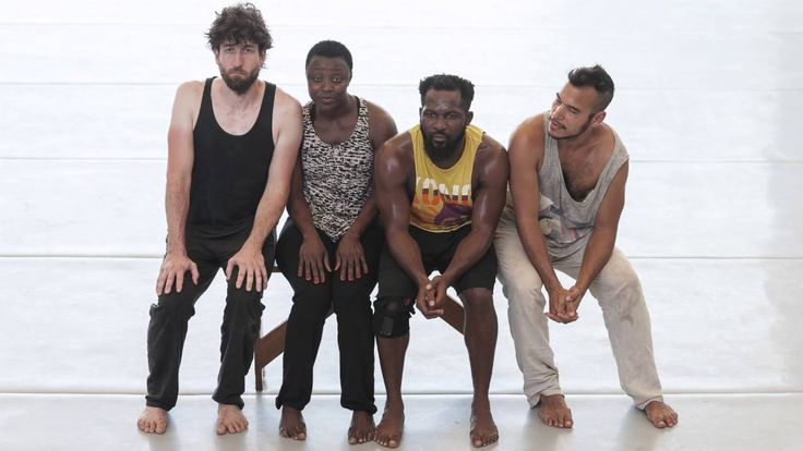 Shifting Realities 2015  2017  Das Projekt Shifting Realities: Deutsch-afrikanischer Choreografen-Austausch 2015  2017 zielt auf Begegnung und Austausch zwischen mehr als einem Dutzend vielversprechender Nachwuchschoreografen aus verschiedenen afrikanischen Ländern sowie Deutschland. Der Plan: Zwei Jahre lang werden ausgewählte Künstler von herausragenden Persönlichkeiten des internationalen Tanzgeschehens in verschiedenen Etappen bis zur Entwicklung von neuen Stücken begleitet. // Shifting…