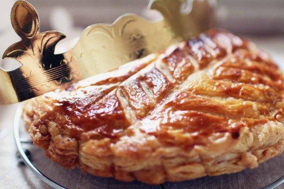 Galette des Rois poire-chocolat http://www.royalchill.com/2015/01/02/galette-des-rois-maison-au-chocolat-et-aux-poires/ #chocolat #galette #epiphanie