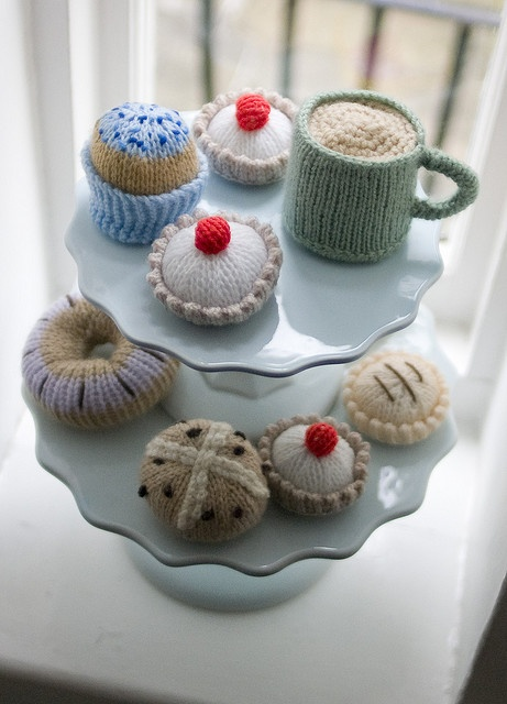 Knitted tea and cakes.  Would love to find the pattern for this.