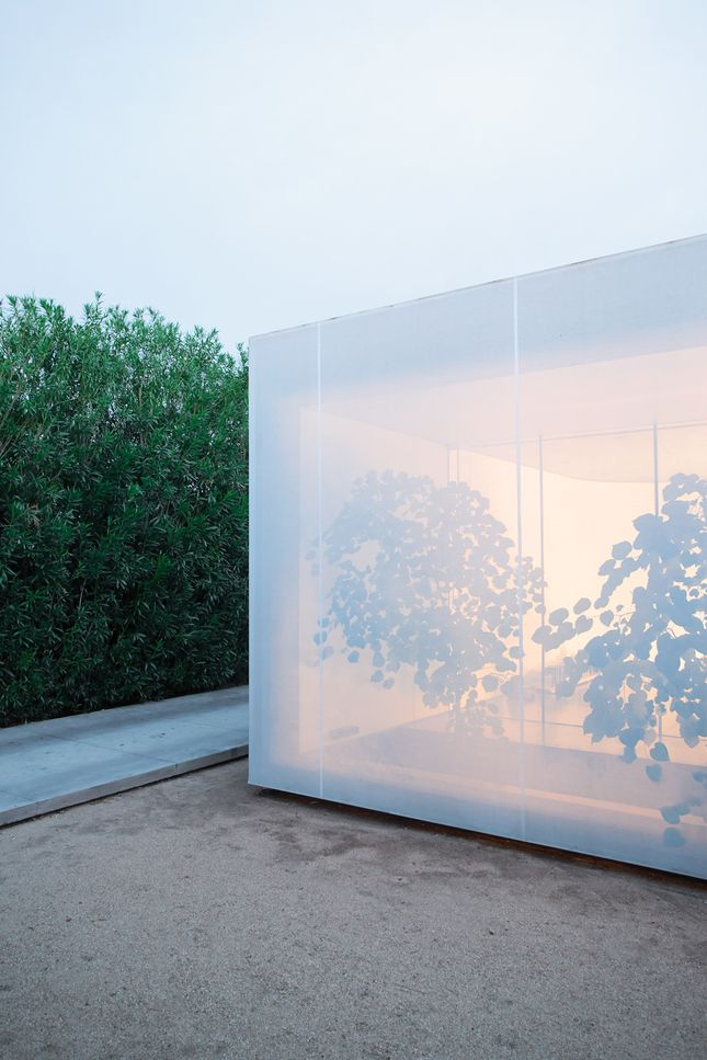 outdoor screen that shifts between being opaque and semitransparent. www.angelinidesigns.com