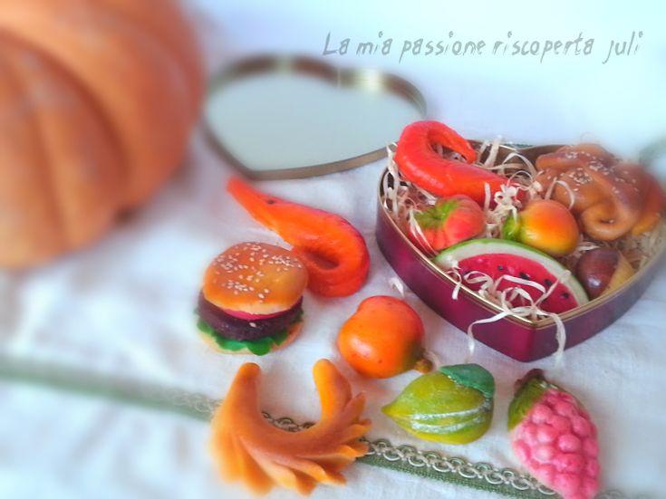 Frutta martorana,una pasta per preparare delle belle torte siciliane,frutta martorana e agnelli pasquali,la sicilia e piena di questo tipico dolce,da provar
