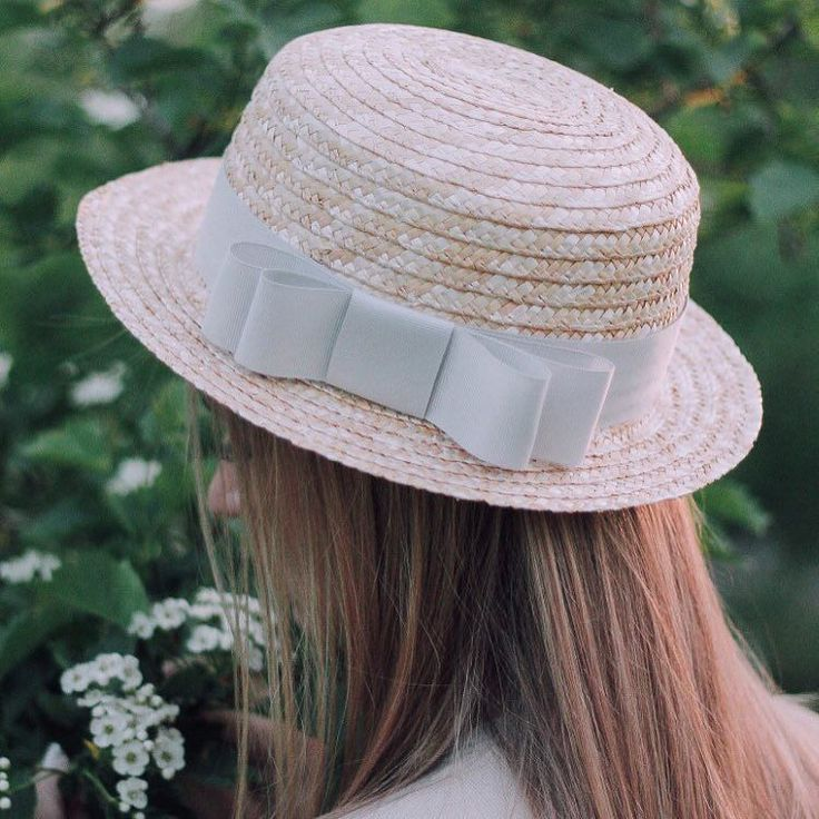 Как и обещала представляю Вашему вниманию соломенные шляпки - канотье Photo by @nata.grtn.photo by n_stylewear