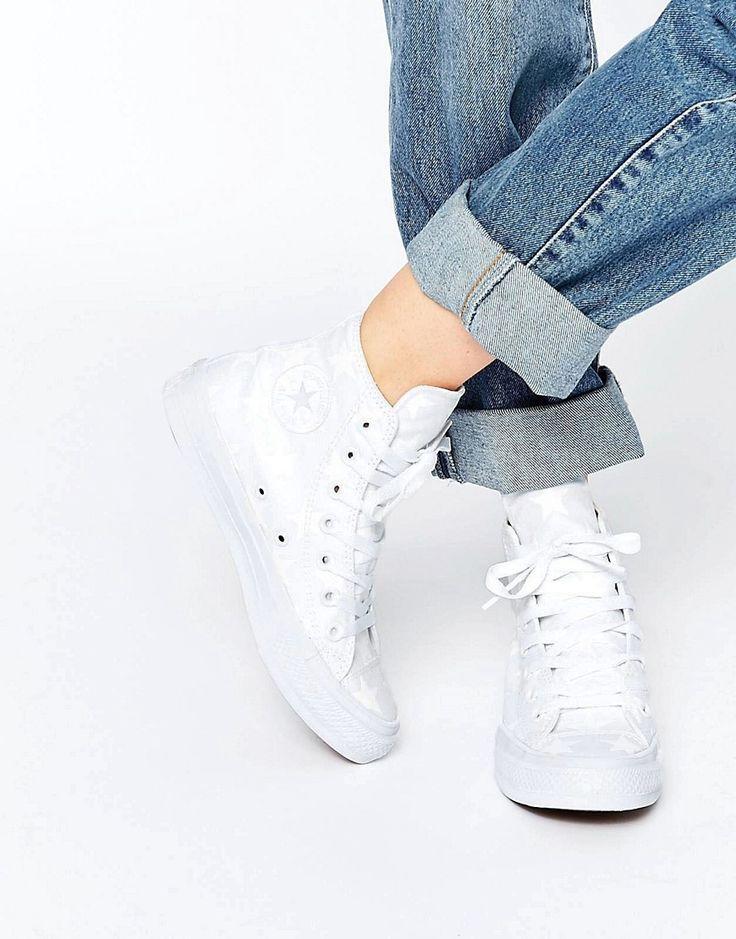 ¡Cómpralo ya!. Zapatillas hi top blancas con detalles reflectantes All Star Chuck Taylor Ox II de Converse. Zapatillas de deporte de Converse, Exterior de lona de primera calidad, Diseño clásico alto, Cierre de cordones, Lengüeta acolchada antideslizante, Forro de antelina muy suave, Forro acolchado con apoyo para el arco del pie, Dibujo geométrico, Limpiar con un paño húmedo, Exterior: 100% textil. Desde los humildes comienzos en la cancha de baloncesto, las zapatillas de deporte de ...