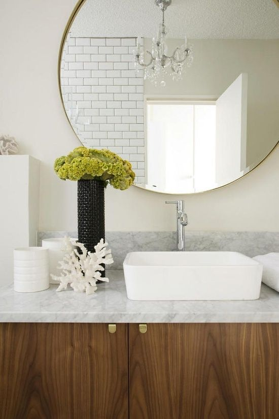 I'm loving this bathroom! I will actually FINALLY get some pulls like these for my cabinet doors. Yes.....