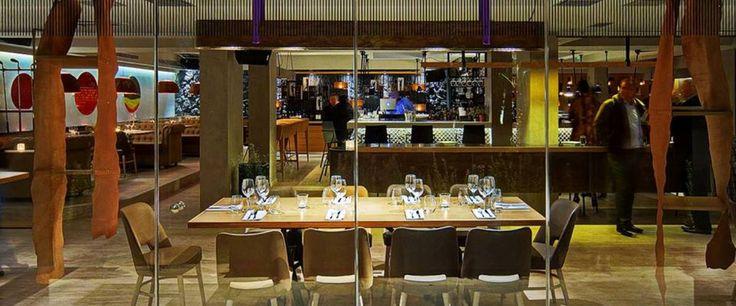 Το εμβληματικό Γκολφ της Γλυφάδας περνάει σε νέα χέρια, μπαίνει σε φάση εξωστρέφειας και λανσάρει ένα ενδιαφέρον all-day bar-restaurant με σεφ τον έμπειρο και ικανό Γιάννη Σολάκη.