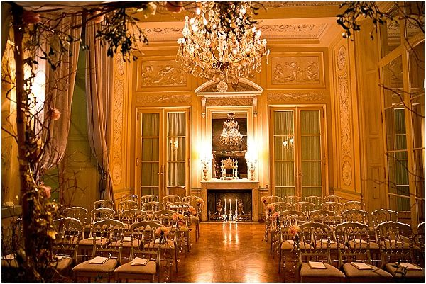 Hotel wedding Paris at the Hotel Crillon    Image by One and Only Paris Photography   Read more http://www.frenchweddingstyle.com/second-wedding-in-paris-hotel-crillon/