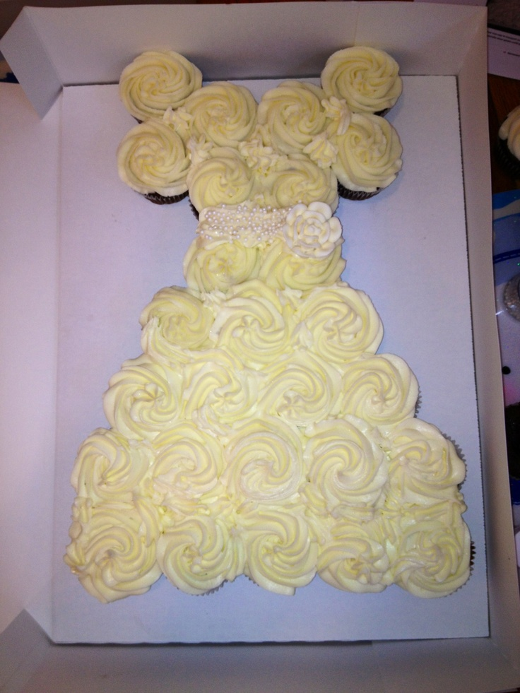 cupcake recipes for bridal shower%0A Pull apart wedding shower cupcakes    accomplished my first Pinterest idea