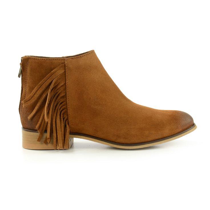 Franjes zijn hip! Deze damesschoenen hebben precies genoeg franje! - Fringes are trendy! These women's shoes have it all!