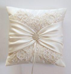 Wedding Pillows, Ivory Satin, Wedding Pillows, Lace Pillows, Ivory Satin