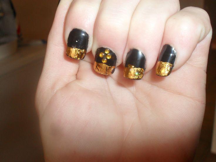 Gold on black always lovely