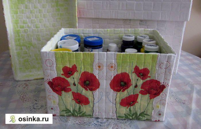 Фото. Коробочка для хранения красок. Картонная коробка обклеена снаружи переплетенными полосками бумаги (ширина полосок 1.5 см), для оформления использована обычная тонирующая краска для стен. Автор работ - svetlana_172 .