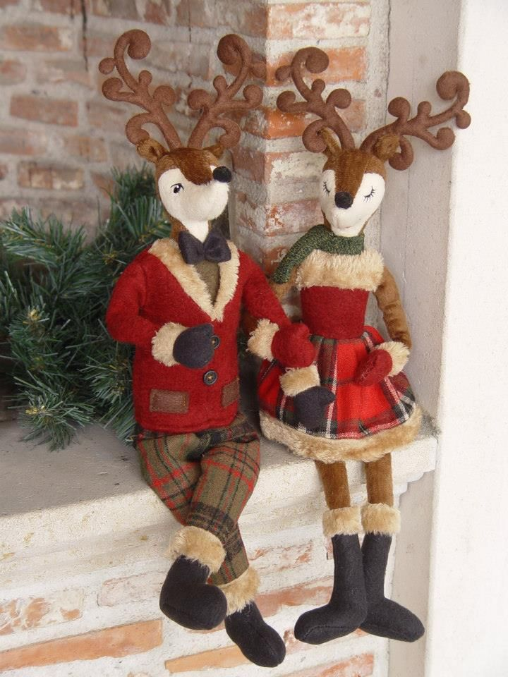 La Galleria : couple de rennes en peluche