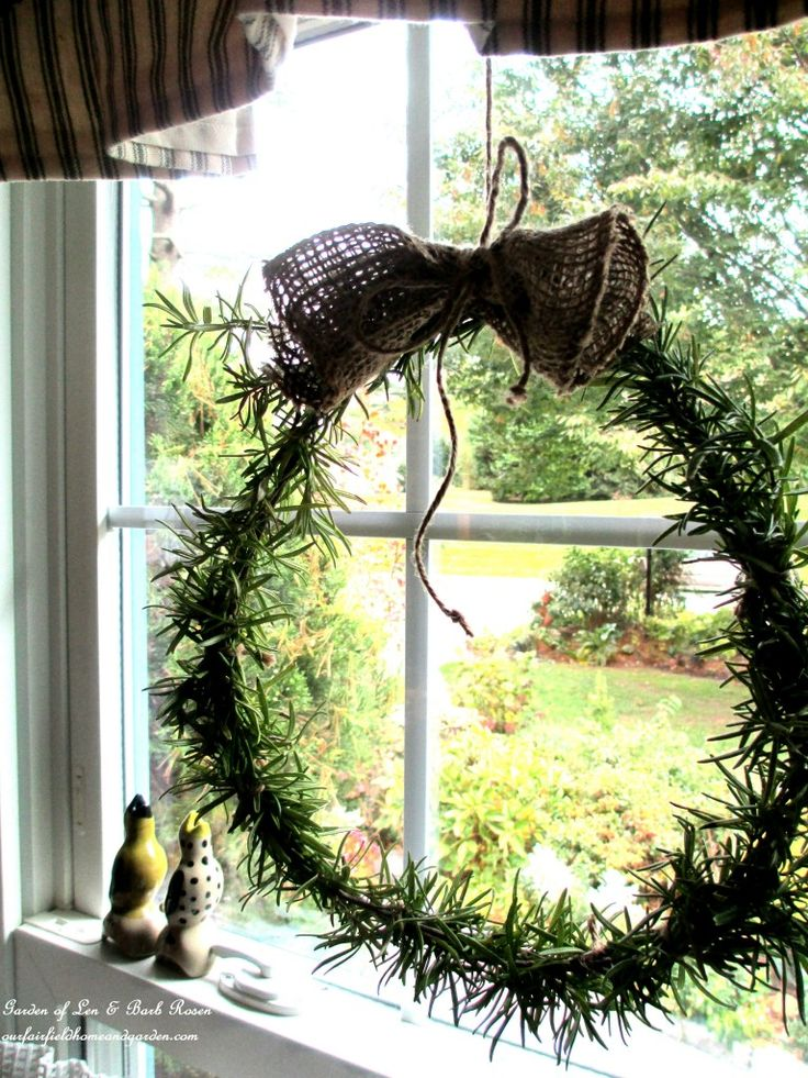 DIY Project ~ Make a Fresh Rosemary Wreath! http://ourfairfieldhomeandgarden.com/diy-project-make-a-fresh-rosemary-wreath/