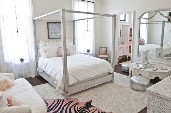If you want the room to look chic and stylish, there's no better option in this case than a canopy bed. And if you don't want that princess look, you can just keep the frame without the curtains. Love the breezy look.