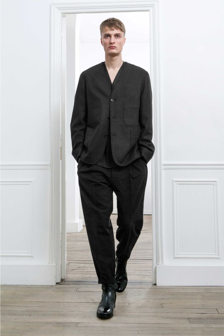 2. V-neck jacket in virgin wool melton / V-neck overshirt and one-pleated pants in wool flannel / Boots in vegetal calf leather
