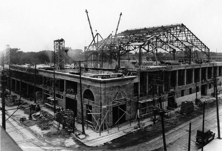 Montreal, 1911 - Montreal Forum under construction.