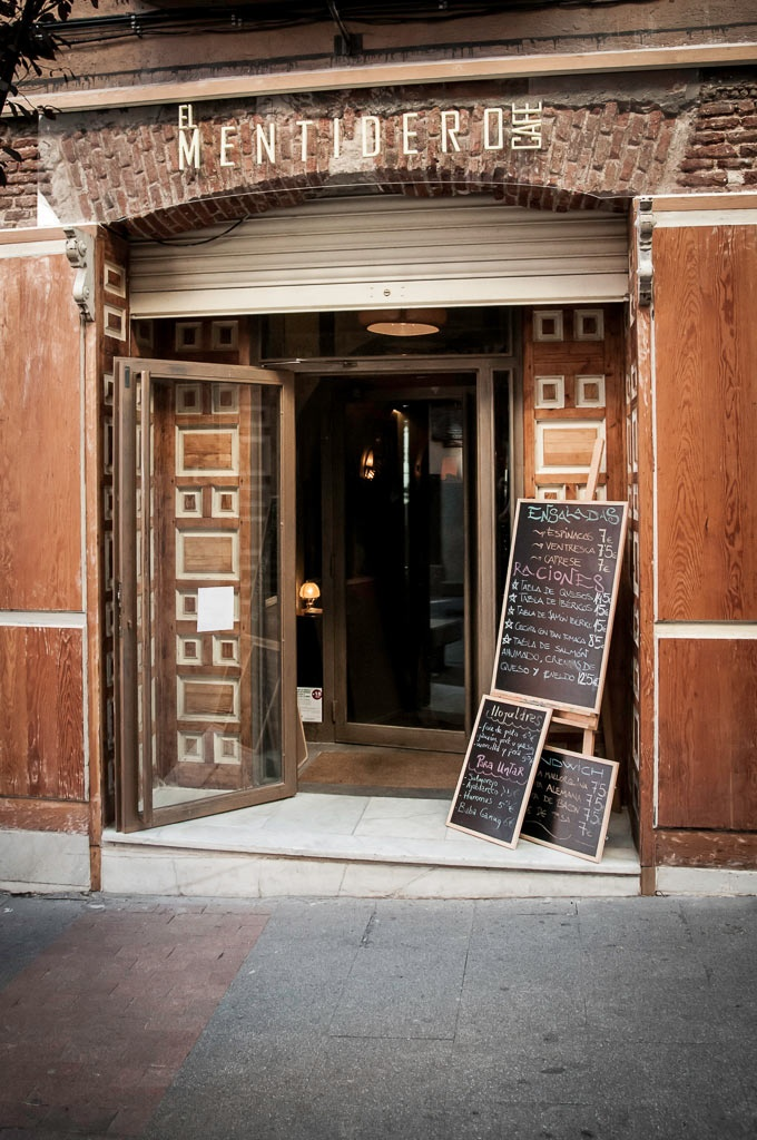 El Mentidero Café- Calle Huertas, 68. Madrid. Its amazing all you can find on Pinterest!