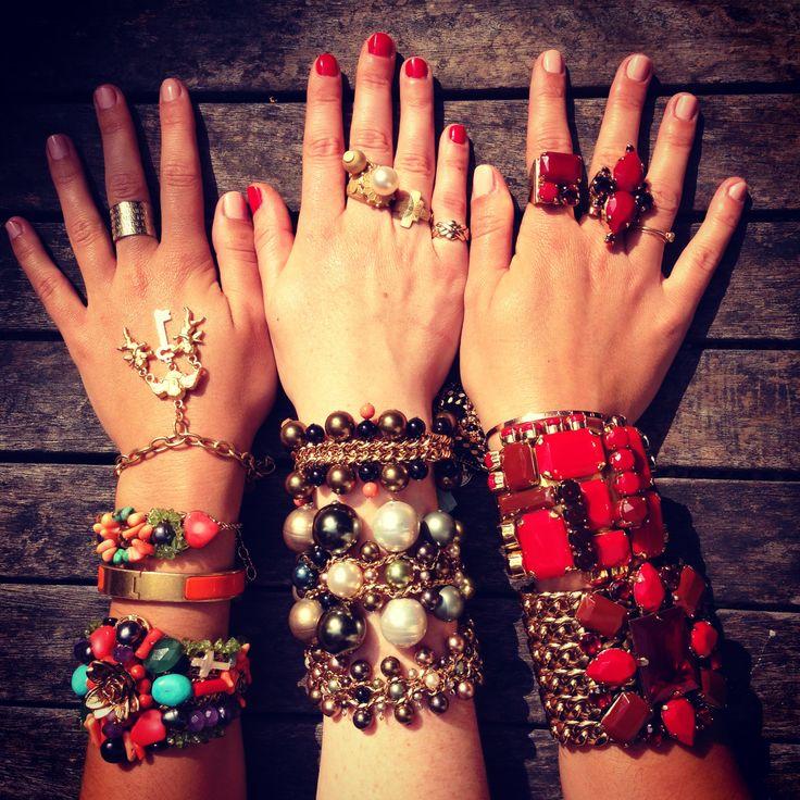 #Reminiscence #PlageEnItalie #jewelsparty ! #armparty #ringparty #reminiscenceparis #bijoux #bracelet #bague http://www.reminiscence.fr/fr/mode/bijoux-eshop/bijoux-fantaisie/PlageEnItalie-liste.htm?var=page-edito http://www.reminiscence.fr/fr/mode/bijoux-eshop/bijoux-fantaisie/teodolinda-liste.htm?var=page-edito