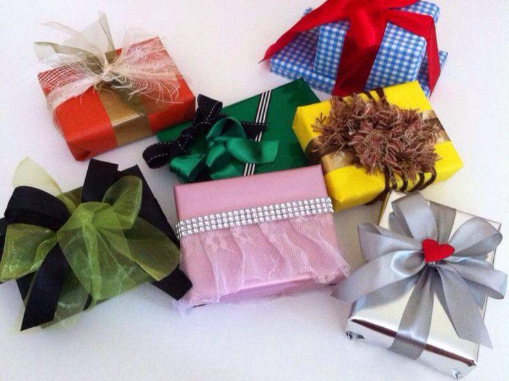 Wizard of Oz inspired gift wrap -- Dorothy, Wicked Witch, Glinda, Tin Man, Cowardly Lion, Scarecrow, Wizard #wizardofozsweet16 @Ces• @Edeine Camacho