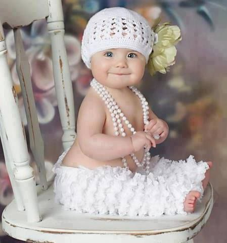 Oh my gosh! This is the sweetest baby picture ever!