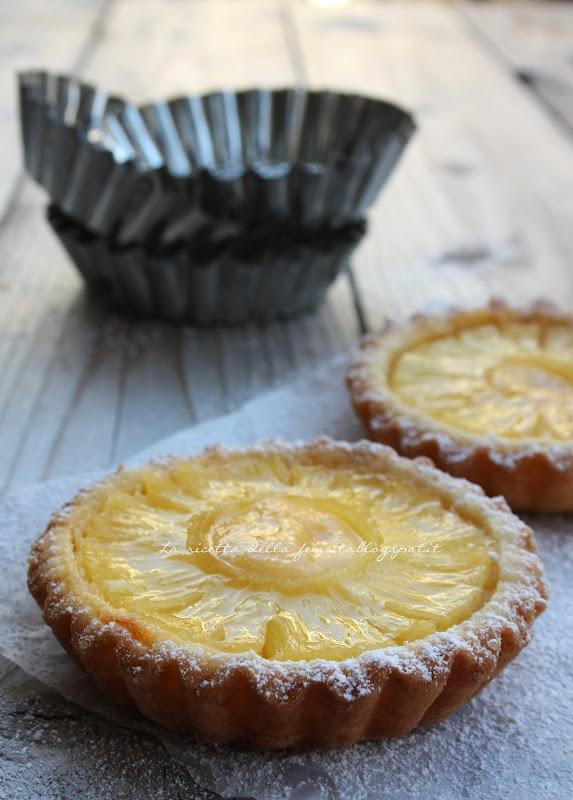 La ricetta della felicità: Crostatine all'ananas con crema allo zafferano (a scuola da Montersino)... e arrivederci a settembre!