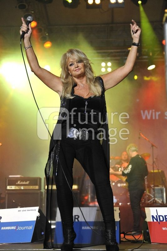 #BonnieTyler #live #Hambourg #Germany #2013 #Music #Concert    http://www.the-queen-bonnie-tyler.com/