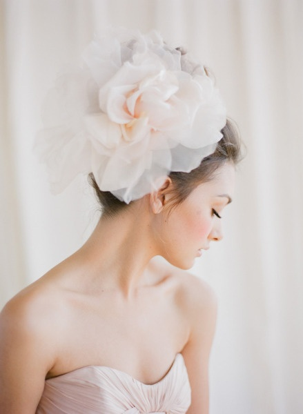 This floral headpiece is so ethereal and romantic