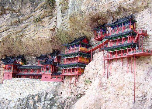 Monasterio colgante, China