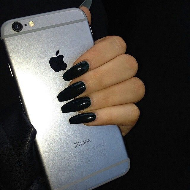 I miss having black long nails...
