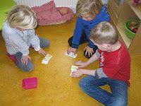 Coöperatief leren in kleine groepjes. ieder kind krijgt 2 getal kaartjes. Welke is laag en welke is hoog? Dan is het groepje de getallen van laag naar hoog (of omgekeerd) neerleggen.