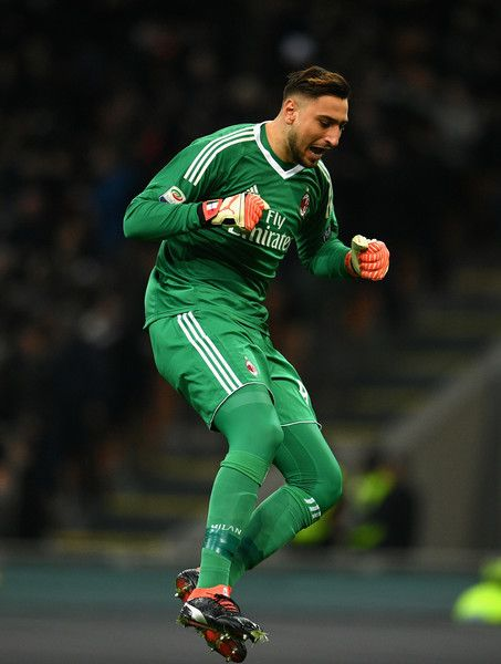 Gianluigi Donnarumma of AC Milan celebrates during the serie A match between AC Milan and UC Sampdoria at Stadio Giuseppe Meazza on February 18, 2018 in Milan, Italy.