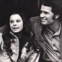 "Greta ""Gigi"" Garner - James Garner's Daughter (Bio, Wiki)"