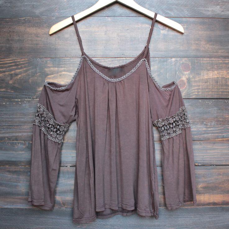 vintage acid wash cold shoulder boho shirt in burgundy
