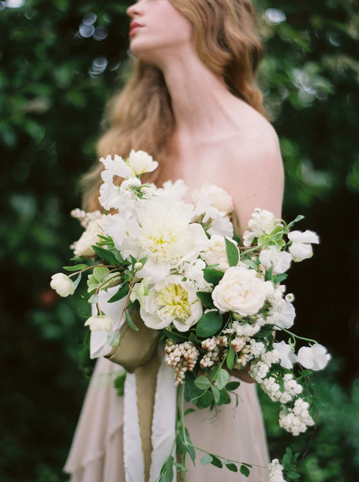 Farm and Forage: Alicia Rico for Bows + Arrows Floral Workshop. Styling with Kylie Swanson and Photography by Heather Hawkins.