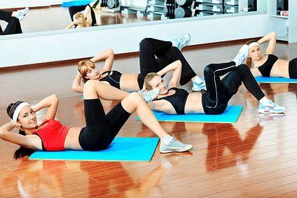 Dnešní video trénink je zaměřen na posílení a zpevnění problémových ženských partií -  tedy  břišních svalů, pánevního dna, vnitřní strany stehen a hýždí. Cvičením Vás provede zkušená cvičitelka Hanka Kynychová. Stačí si vybrat lekci dle vašeho gusta. Aby bylo posilování zvolené svalové partie účinné a bezpečné, je nutné dodržovat základní cvičební zásady a neustále dbát na správnou techniku cvičení.