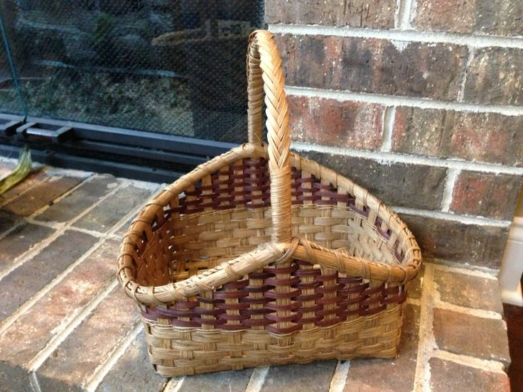10 Hearth basket with wrapped handle (Sandy Bulgrin class, woven by Valentina Hall)