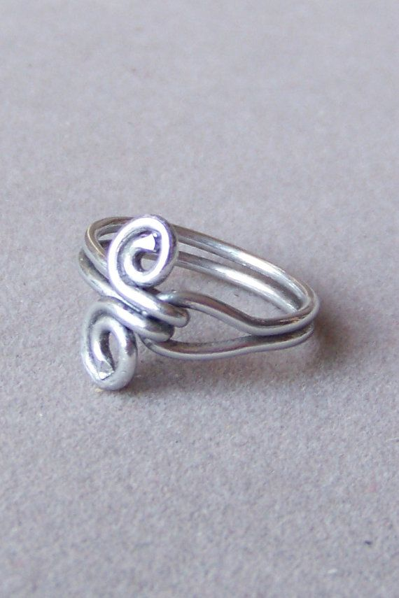 Ring sz. 7 Infinity Love Knot Solid Silver Aluminum Wire Wrapped