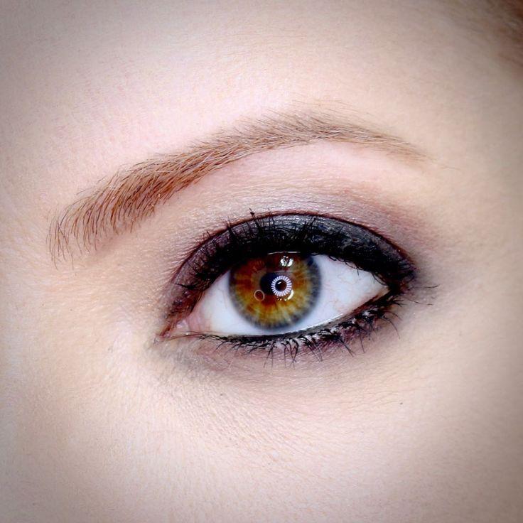 Julia Petit, maquiagem inspirada na jornalista Andréia Sadi.