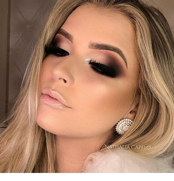 Shady outer eye, loooove the color used with a nude lip shine – Miladies.net