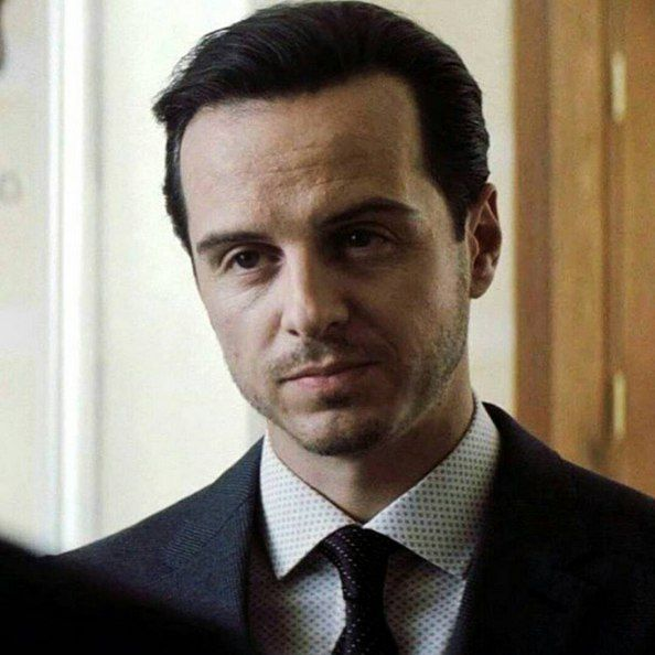moripartylove:  Andrew Scott as Max Denbigh in Spectre (X).