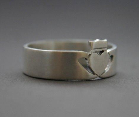 Silver Mens Claddagh Ring