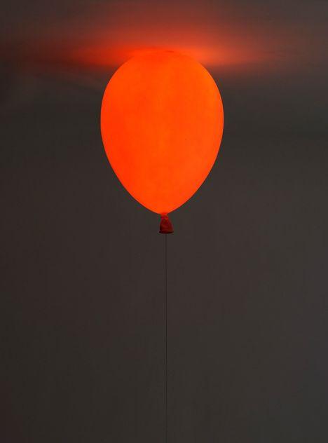 Balloon Lamp by Satsoshi Itasaka #Lamp #Balloon #Satoshi_Itasaka