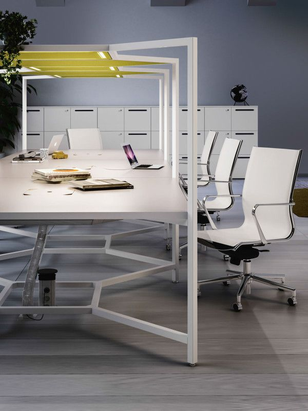 The Hub Desk From Fantoni