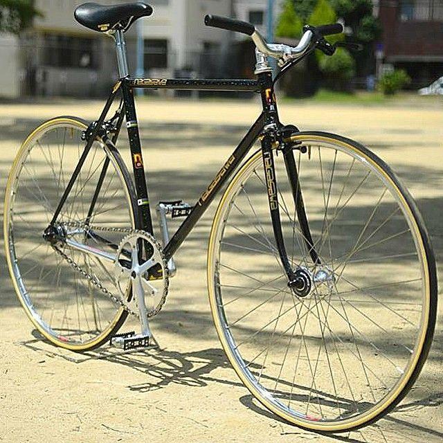 adesivos linkados com detalhes de cor de pneu   NAGASAWA Track Bike Built at GIRACHA