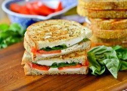 Grilled Margherita Sandwiches - This might be a nice change from our Havarti Dill toasted cheese sandwiches.