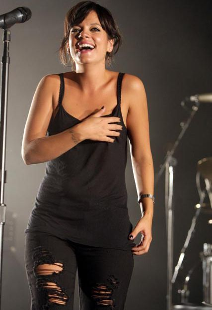 http://undercovermillionaires.com/wp-content/uploads/2015/03/Lily-Allen-Height-And-Weight.jpg