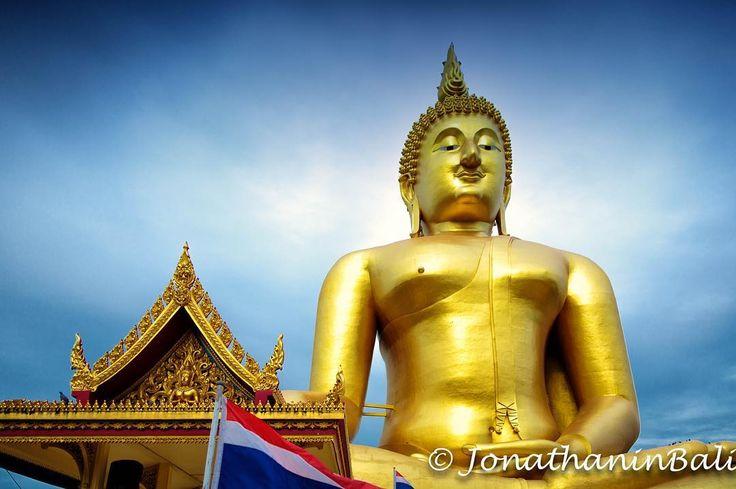 Buddha Ang Thong Thailand  For the ebook The Bangkok Story an Historical Guide to the Most Exciting City in the World - go to http://ift.tt/2kq9do7  #aroundtheworld #worldtraveler #jonathaninbali #www.murnis.com #travelphotography #traveler #lonelyplanet #travel #travelingram #travels #travelling #traveling #instatravel #asian #photo #photograph #outdoor #travelphoto #exploretocreate #createexplore #exploringtheglobe #theglobewanderer #mytinyatlas #planetdiscovery #roamtheplanet #tribegram…