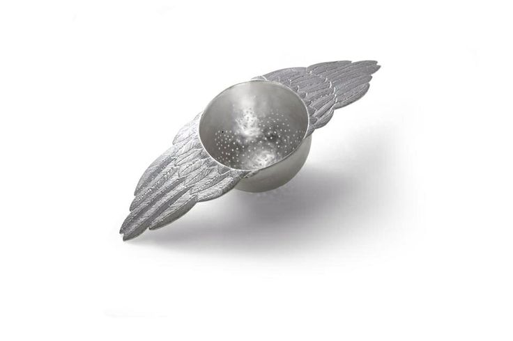 Bird wings tea strainer by Emgee