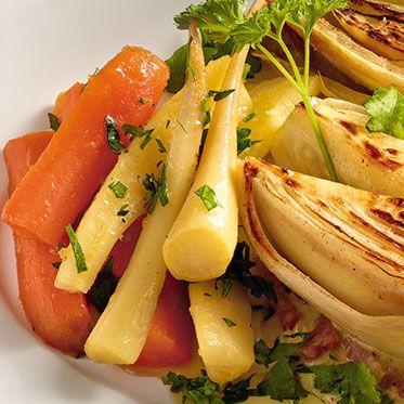 Glasiertes Möhren-Petersilienwurzel-Gemüse